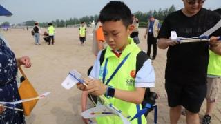 参加航模比赛 追逐科技梦想 --廊坊第十七小学航模队在廊坊市首届青少年航空模型比赛中获佳绩