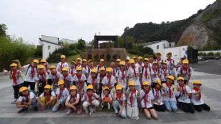 杭州红领巾志愿者来到温州道德馆