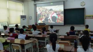 """""""红色教育"""" 特色课程——红领巾的记忆"""